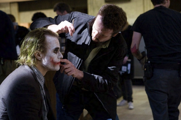 heath-ledger-joker-on-set