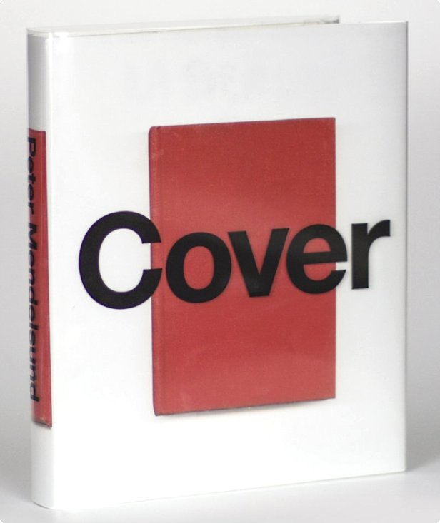 La copertina del libro di pregio Cover, nel quale il designer di New York raccoglie la maggior parte delle sue creazioni.
